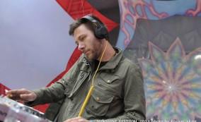 DJ KINETICZ
